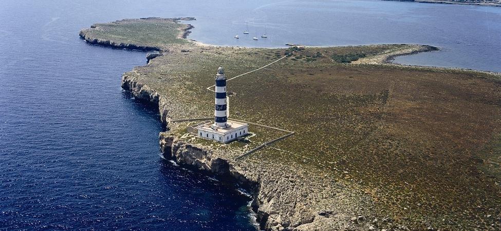 Faro-de-Illa-de-lAire-Isla-del-Aire-farsdebalears