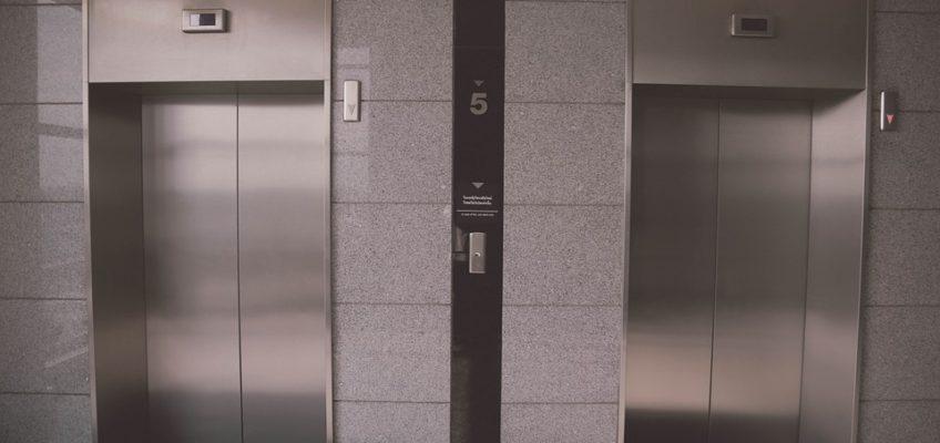 Montar ascensores en pisos antiguos