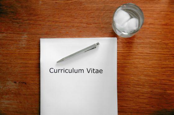 Cómo elaborar el currículum y la carta de presentación