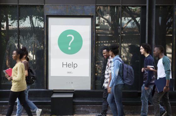Cómo establecer comunicación inicial online con el cliente